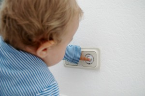 Sicherheit im Eigenheim – Kinderschutz an der Steckdose