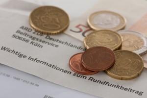 Der Versuch die Gez-Gebühren mit Bargeld zu zahlen, ist das möglich?