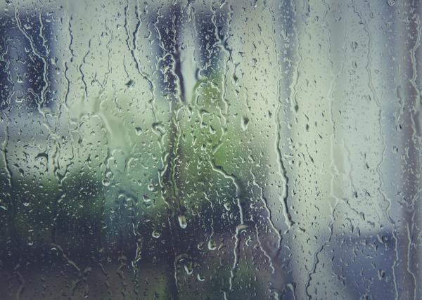 Bei Starkregen kann ein Wasserschaden entstehen