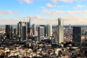 Wohnungssuche in Großstädten ist schwierig - Ansicht einer Großstadt