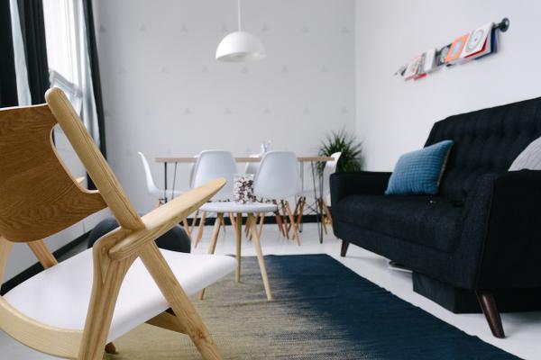Auch die Wandgestaltung ist wichtig, wenn Sie kleine Räume einrichten